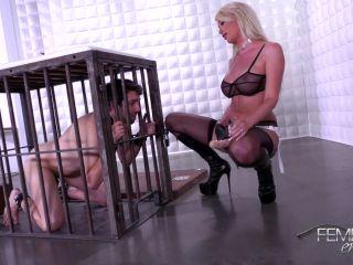 femdomempire  riley jenner  strap-on fuck meat  strapon sucking