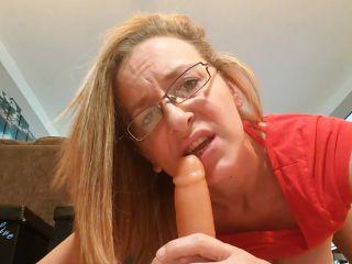 Kinkykatlive - Caught Mommy Masturbating