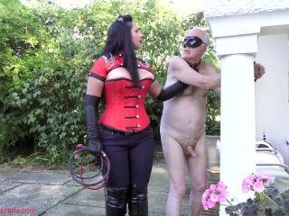Bondage Male – Mistress Ezada Sinn – Public whipping boy punishment