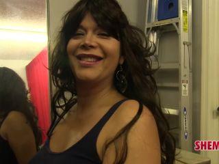 Online shemale video Big Beautiful Ivana Diamond