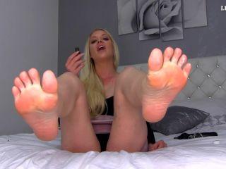 Porn online Princess Lexi Luxe - P O P P E R S FOOT SLUT femdom