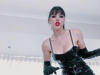Young Goddess Kim – Gothic Pantyhose Trampling