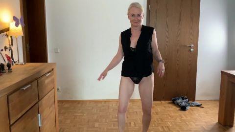 Elena-Klein - Ups - Das erste Mal nackt vor der Kamera [FullHD 1080P]