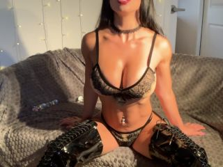 alexaxo93 in Step Mom Squirts In Front Of Her Son