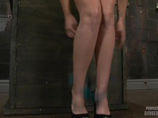 Porn online Perfect Slave – Wet and Wide – Lizzy London