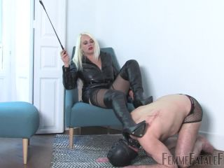 [Femdom 2018] FemmeFataleFilms  Leather Licker  Complete Film. Starring Divine Mistress Heather [boot domination, boot worship, boots, leather]