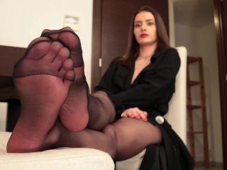 Pantyhose feet – Anastasia – Hottie with black pantyhose and red toenails