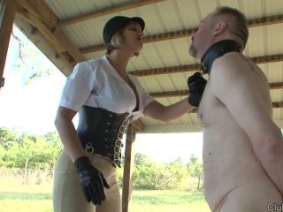 Faceslapping – ClubDom – Face Slapping the Bitch Salve – Goddess Brianna