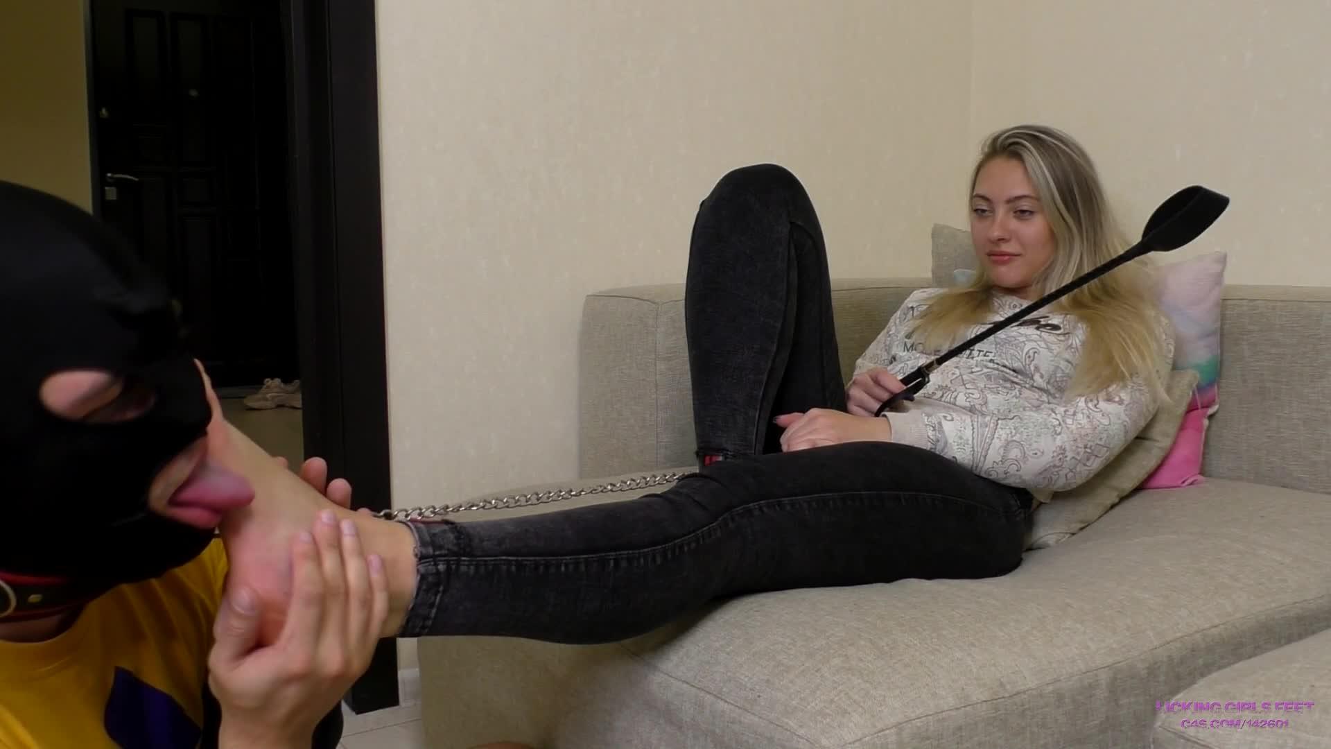 Foot Worship Pussy Licking