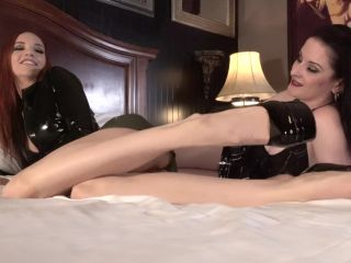 ManyVids presents JaydenCole – Jayden's Feet Worshipped in Lovely Latex