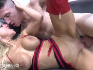 Nudeinfrance presents Therese