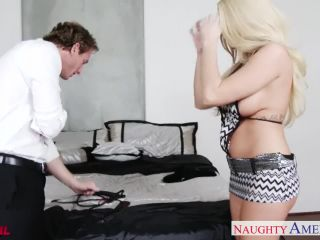 Hot blonde Summer Brielle gets facialized -