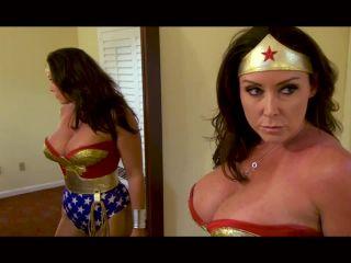 Wonder Woman, Ball-Busting