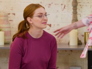 Maya Kendrick, Aria Carson – Seeing Red Nerdy Slumber Party Makeover