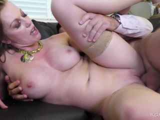Naughty Stepmom, Holly Kiss
