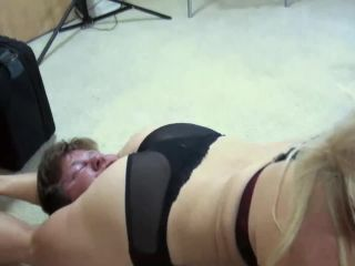 Scissorvixens – Annie May – Roomate Rumble