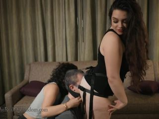 Mistresses An Li, Hannah Hunt - Installed In Hannahs Ass
