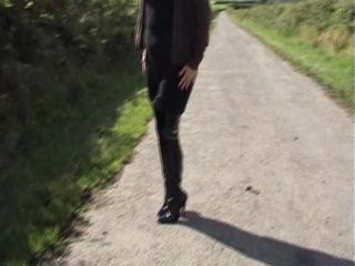 BootsShoesVideos003044