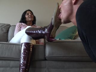 Boot Worship – Goddess Zephy – Lick my boots, bitch