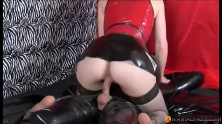 Hot Girl Gets Massaged Fucked