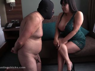 Ball Busting Chicks – Tigerr Benson – Watch my shaking boobs as I hit you straight in your face!