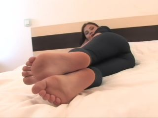 Porn online Toe wiggling – Noemis World – Cute girl with arched feet