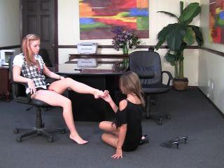 Foot gagging – Kina Kai worship Dani Jensen