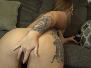 Butt Plug Try On