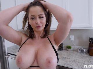 Perv Mom – Emily Addison