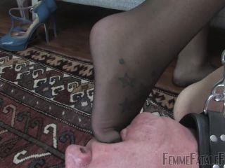 On A Short Leash (Part 4)  29th Oct 2017