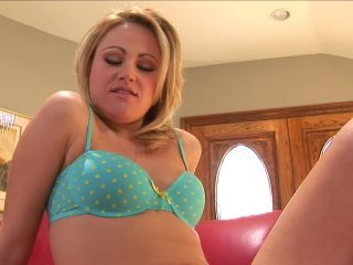 Bubble butt blonde sindee jennings gets facial