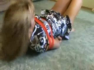 Escape challenge blonde in red ropes