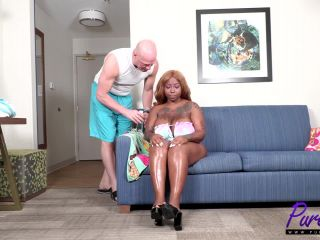 Trap Barbie – Oiled up and slutty