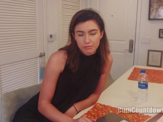 Soles fetish – Nikki Next – I'm On My Computer, Pay To Adore My Feet