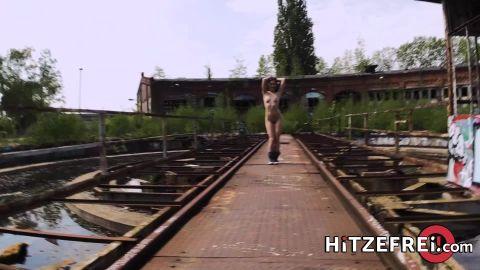 Lullu Gun - Fuck date for in abandoned railway area! [FullHD 1080P]