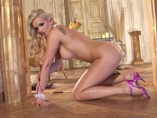 Striptease of Every Man's Wet Dream Come True Video with Sandra Shine  02.11.2014