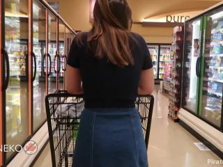 ManyVids Webcams Video presents Girl Rachelllx in Public Play The Return