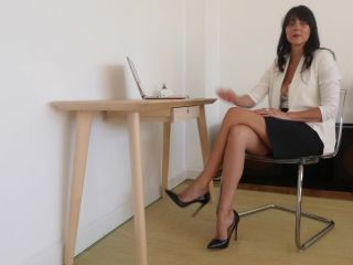 [Manyvids] Stella Liberty - Office Exec Teases Knucklehead Colleague