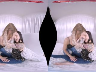 Lesbian Porn in VR Part 2 – Vanessa Decker, Sarah Kay 4K