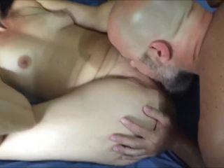G07828 Yoga Hotwife Feeding Cuckold Creampie For Bull