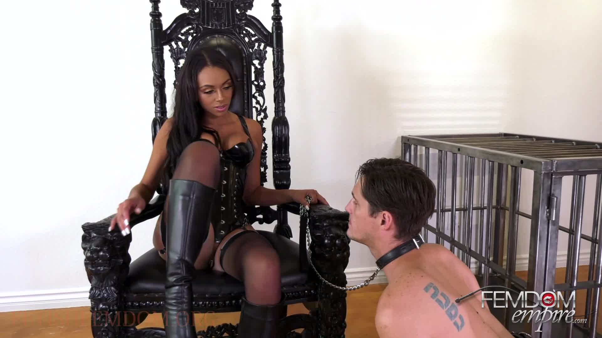 Milf Ass Licking Lesbian