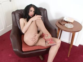 Online tube NHLP - Louise Jenson - Interview my legs! - Teasing