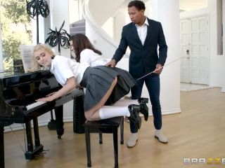 Chloe Cherry & Joseline Kelly - Tickling The Ivories (16.08.2017)