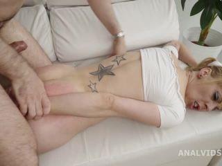 Robins Anal Casting goes Wet - Perla Rubia [SD 480P] - Screenshot 3