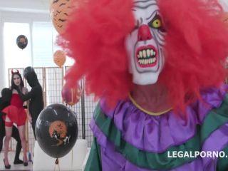 Anna de Ville, Sofi Smile – (LegalPorno) – Anal Halloween 1, Shows everyone how to handle multiple dicks, Balls Deep Anal, DAP, Gapes GIO1256, 3on1, 540p, 2019   orgy   brunette