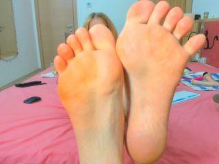 Claricce – Feet JOI with a little SPH