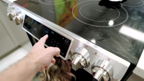 Cory Chase - Hot Step Mom Fucked in the Ass While Stuck in the Oven (720p)
