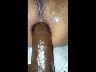 huge anal dildo machine fuck and squirt
