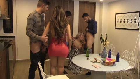 Lizzy Laynez, Barbara Jimenez - It Is More Delicious As A Family (1080p)