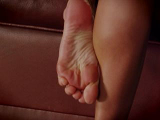 Toes – Natalia Forrest – Taking care of business